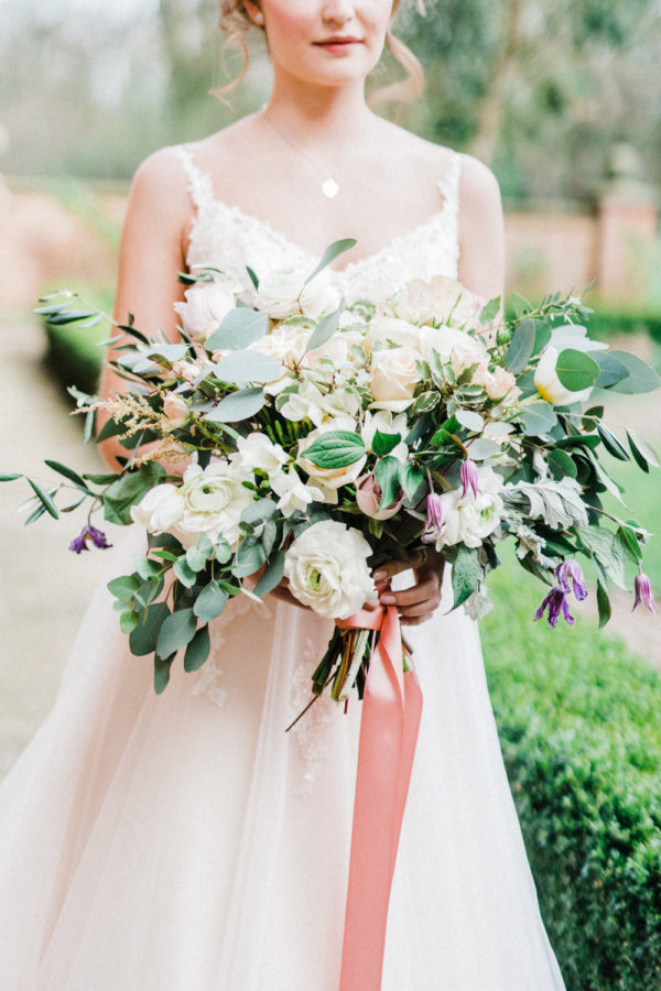 10 Effortlessly Elegant Ways To Style A Spring Wedding10 Effortlessly Elegant Ways To Style A Spring Wedding