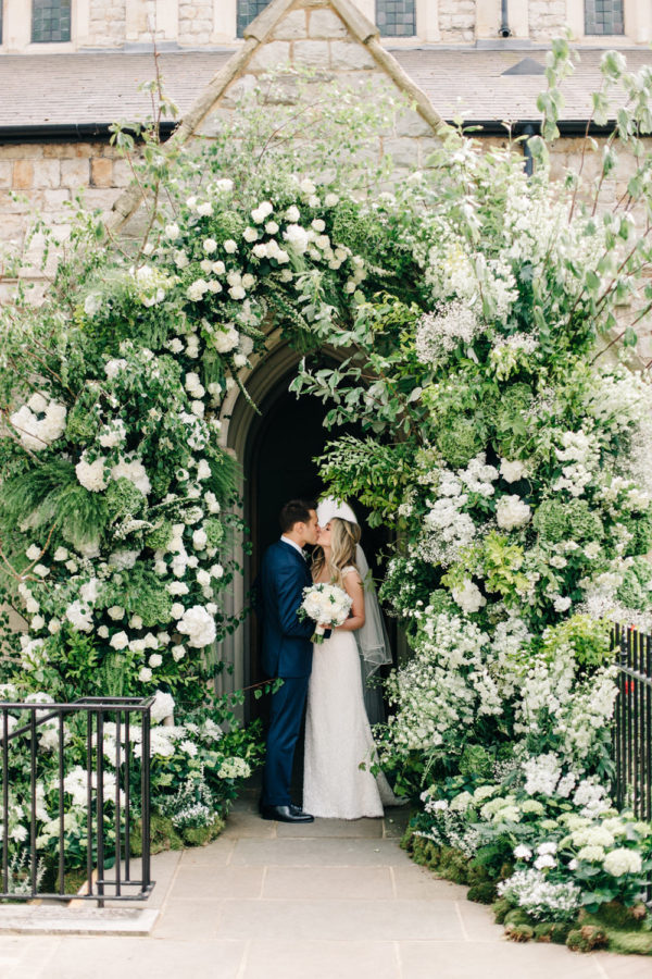 10 Effortlessly Elegant Ways To Style A Spring Wedding